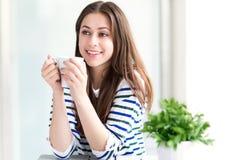 coffee cup relaxing woman Στοκ Φωτογραφίες