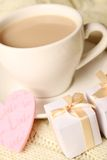 Coffee and gifts for loved ones Royalty Free Stock Photos