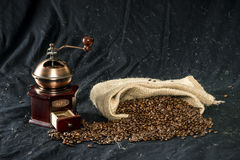 Coffee grinder and coffee beans Royalty Free Stock Photos