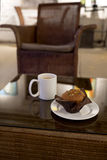 Coffee and Muffin in Cafe Royalty Free Stock Photos