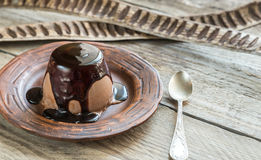Coffee panna cotta under chocolate topping Royalty Free Stock Photos