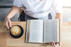 coffee and read book Royalty Free Stock Photo