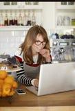 Coffee shopägare Royaltyfri Fotografi