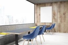 Coffee shop med blåa stolar Arkivfoton
