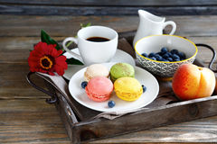 Coffee and sweet macaroon Royalty Free Stock Images
