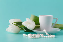 Coffee and tulips Royalty Free Stock Photography