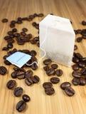 Coffeebeans y té Foto de archivo