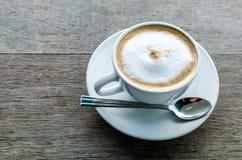 Coffeecup med kaffe Fotografering för Bildbyråer