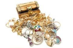 Coffre de trésor avec le bijou Photos libres de droits