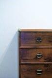 Coffre des tiroirs en bois Photos stock