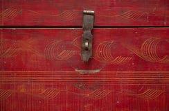 Coffre en bois de vieux cru Images stock