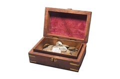 Cofre del tesoro con las monedas Imagen de archivo libre de regalías