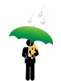 Cofre forte do dinheiro do dólar do homem de negócio sob o guarda-chuva Fotografia de Stock Royalty Free