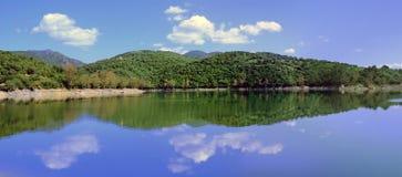 Coghinas lake royaltyfria bilder