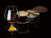 Cognac, cigare, café, chocolat Photographie stock libre de droits