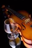 Cognac en viool royalty-vrije stock afbeelding
