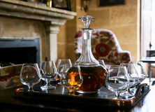 cognac tjänad som tabell royaltyfri foto