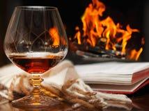 Cognac vid spisen arkivbilder
