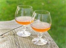 Cognac voor twee in openlucht Stock Foto