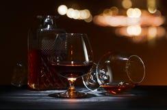 Cognacglas met brandewijn Stock Afbeelding
