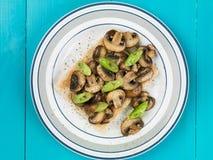Cogumelos e cebolas da mola no brinde Fotografia de Stock Royalty Free