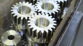 Cogwheel εργαλείων βιομηχανικό ρολόι παραγωγής απόθεμα βίντεο