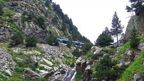 Cogwheel σιδηρόδρομος στην κοιλάδα της Nuria φιλμ μικρού μήκους