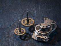 Cogwheels και άνοιξη ισορροπίας στοκ φωτογραφίες με δικαίωμα ελεύθερης χρήσης