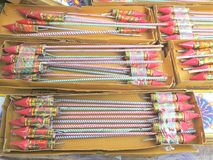 Cohetes de los fuegos artificiales fotografía de archivo