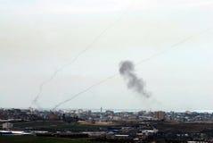 Cohetes de Qassam encendidos para la Franja de Gaza a Israel Fotos de archivo libres de regalías