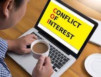 COI como CONFLICTO DE INTERESES Imágenes de archivo libres de regalías