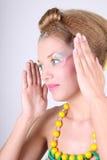 coiffure творческий составляет детенышей женщины Стоковое Изображение