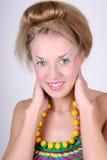 coiffure творческий составляет детенышей женщины Стоковое фото RF
