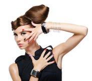 coiffure créatrice de charme de fille de mode Photographie stock libre de droits