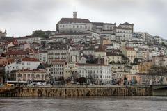 Coimbra pod ciemnymi niebami Obrazy Royalty Free