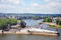 Coin allemand de monument historique de l'Allemagne de ville de Coblence où les rivières le Rhin et le mosele circulent ensemble  Photos stock