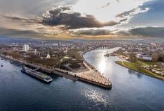 Coin allemand de monument historique de l'Allemagne de ville de Coblence où les rivières le Rhin et le mosele circulent ensemble  photo libre de droits