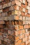 Coin d'immeuble de brique rouge Photos stock