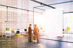 Coin de bureau en verre et en bois, affiche, le soleil de personnes Images libres de droits