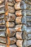 Coin de vieille maison en bois Photographie stock libre de droits
