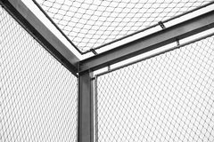 Coin des barrières en acier de maillon de chaîne, secteur restreint Images stock