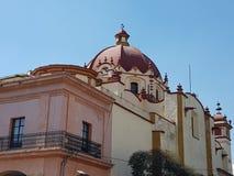 coin des portails et de l'église de Santa Veracruz au centre de Toluca image stock