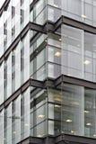 Coin en verre de bâtiment image stock