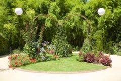Coin gentil dans un grand jardin Photos libres de droits