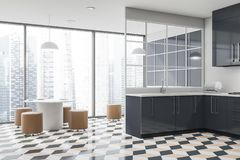 Coin panoramique de cuisine, compteurs gris et table illustration libre de droits