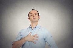 Coincé homme arrogant suffisant audacieux agressif arrogant photo libre de droits