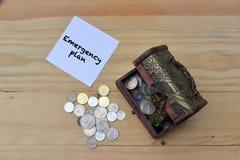 coins sparande för stapel för begreppshandpengar skyddande Royaltyfri Fotografi