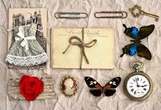 Coisas do vintage fundo nostálgico do registro da sucata imagem de stock royalty free