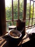 Coisas velhas no peitoril da janela Imagem de Stock Royalty Free