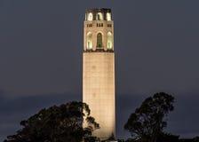 Coit塔在晚上 库存照片